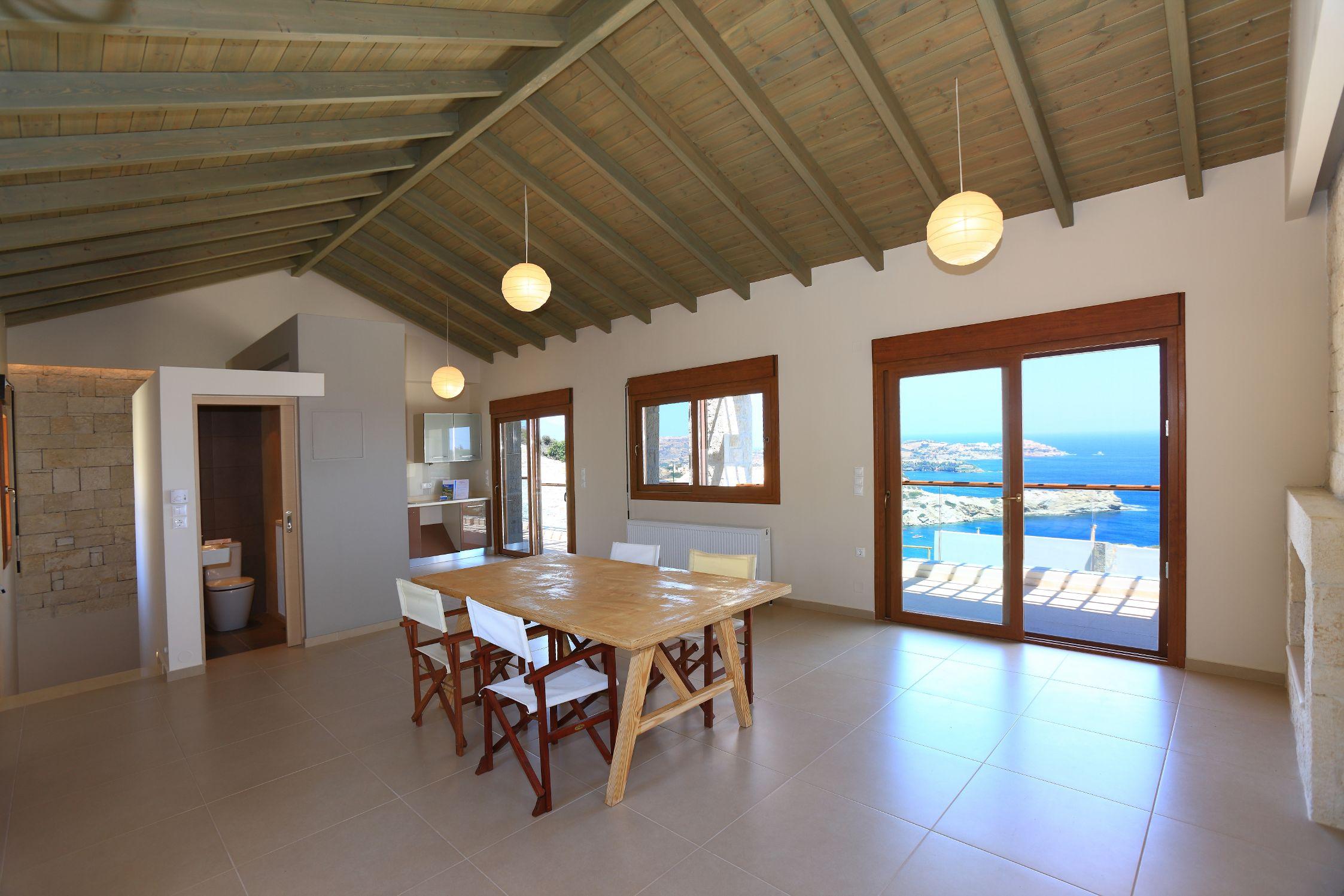 Недвижимость на крите у моря цены виллы в дубае продажа